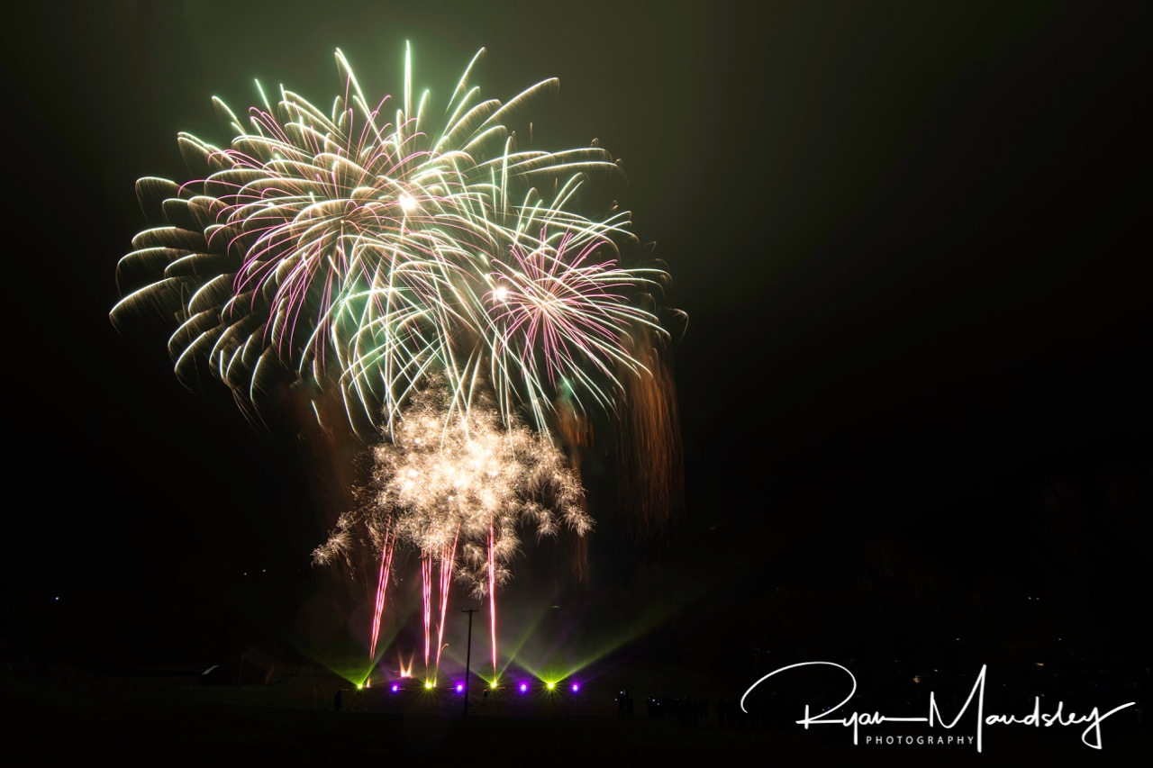 Knights Stainforth Bonfire Fireworks | Ryan Maudsley